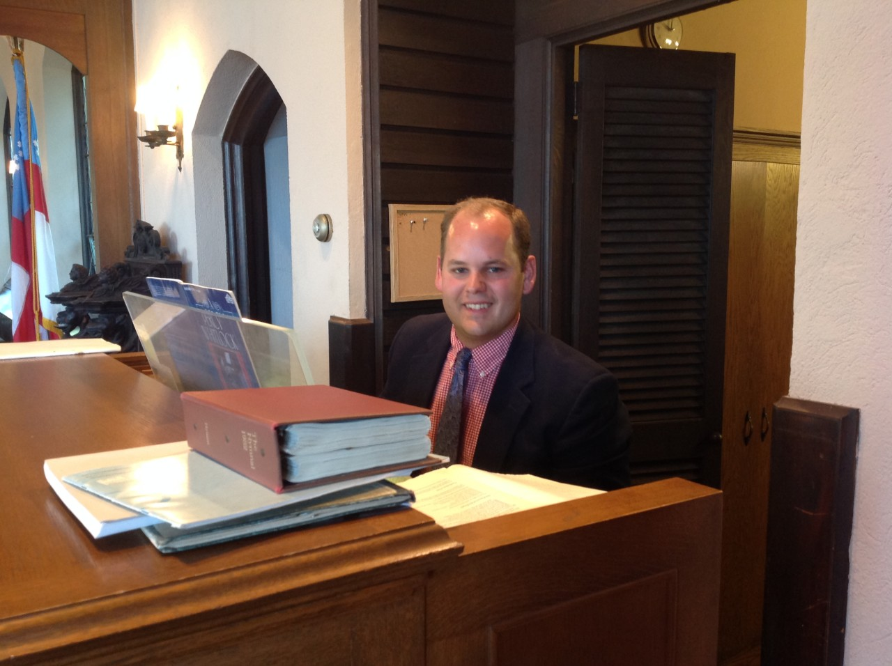 Organist Peter Ludlow